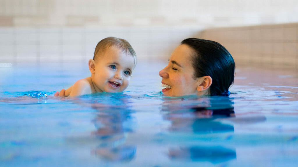 mother and baby swimming lessons
