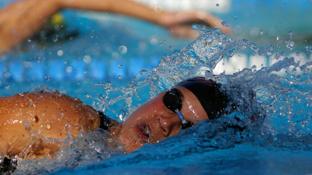 adult swimmer front crawl breathing